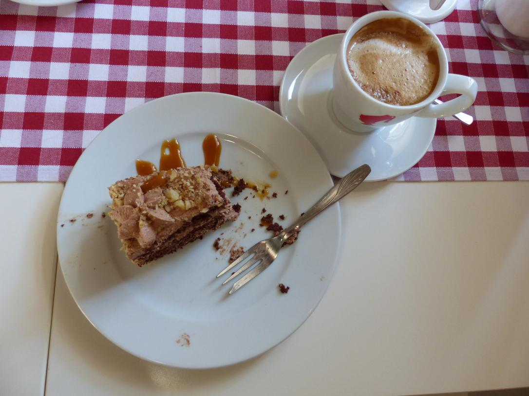 How to spend a day on Korcula - Coffee & Cake